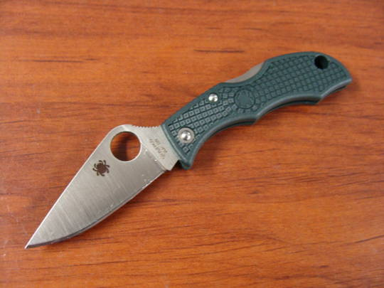 Spyderco Ladybug 3 ZDP-189 Racing Green Keyring Knife