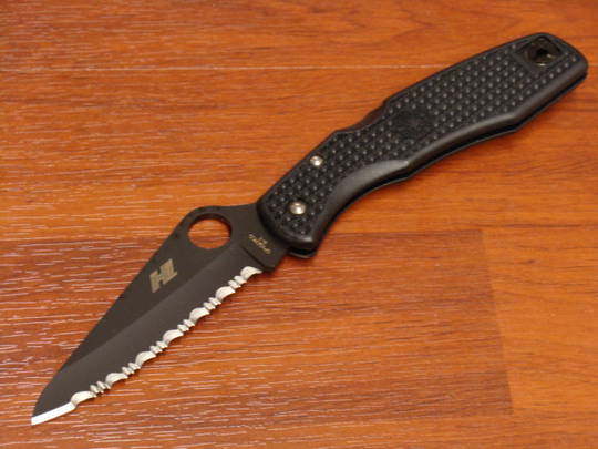 Spyderco Pacific Salt Folding Knife Black Blade - Serrated