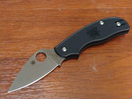 Spyderco Urban Lightweight Folding Knife N690CO Blade, Black FRN Handles