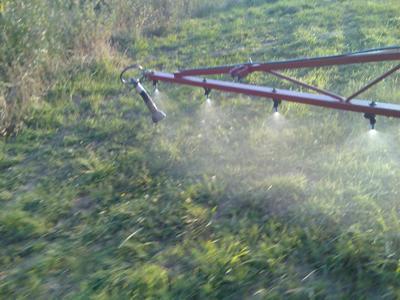 boom spraying 1.jpg