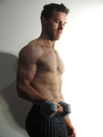 Tony's powerful muscle growth during body transformation .jpg