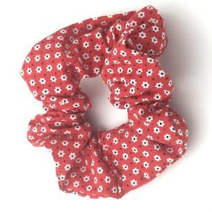 Red Daisies Scrunchie