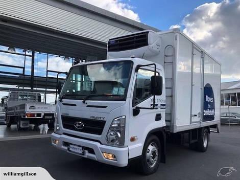2020 Hyundai Mighty EX6-M REFRIGERATED BOX BODY.