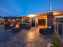 28 Treeway, Sunnyhills, Clare Nicholson Bayleys Real Estate