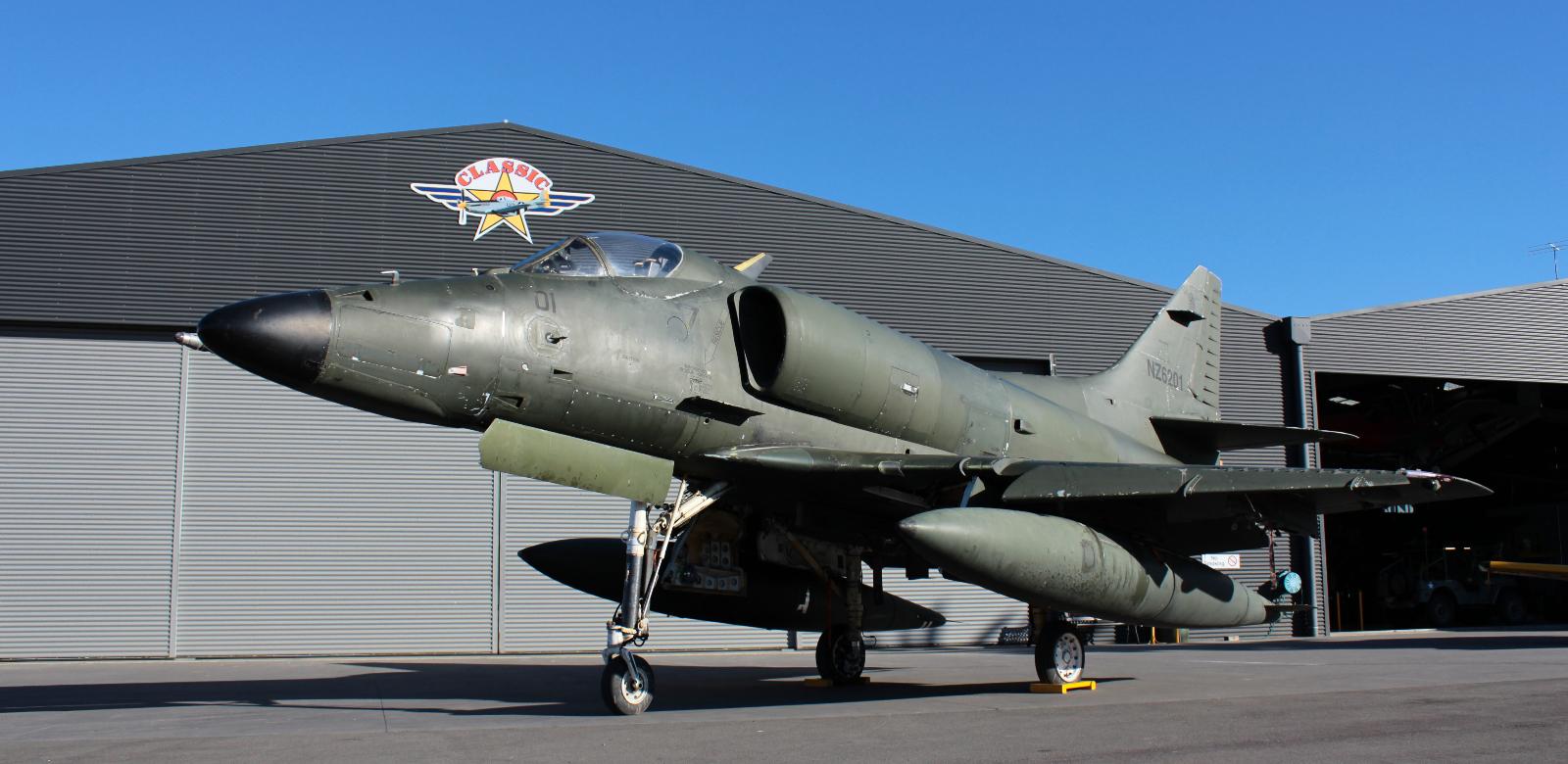 Skyhawk-42