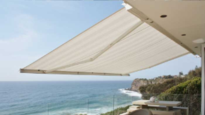 cool-awnings-retractable-awnings-700px