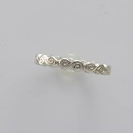 R355 Celtic Spiral band in  Stg.(.925) Silver