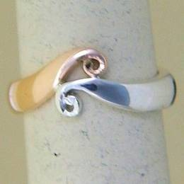 R249a Rose gold and Silver double Koru Band