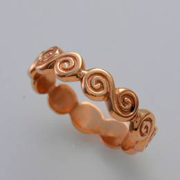 R358 Celtic spiral band in Rose Gold