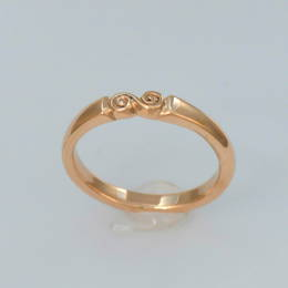 Ladies Spiral koru band in Rose Gold