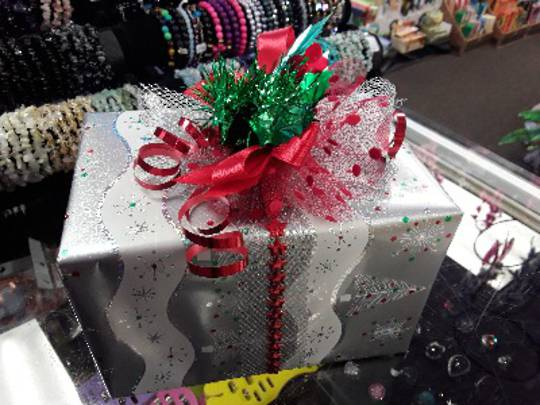 Free Christmas Wrapping (with Bow)