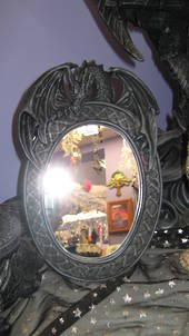 Single Dragon Mirror