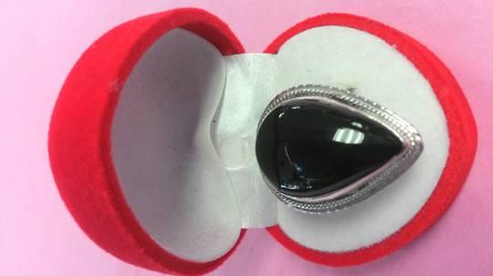 Teardrop Oynx Ring