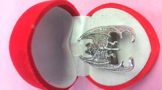 Gothic Bat Ring b