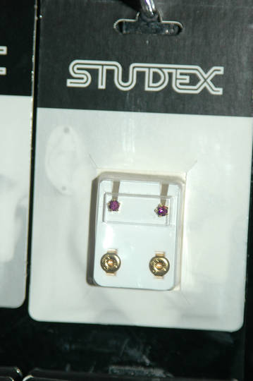 Studex claw set  February studs regular size