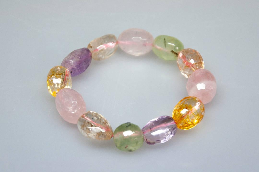 Faceted Mixed Stones Tumble Bead Bracelet.
