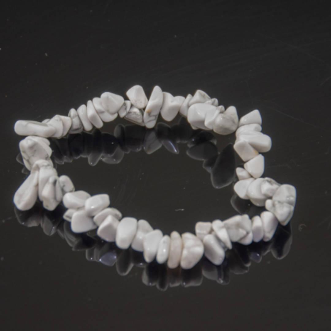 Howlite Chip Bracelet (White)