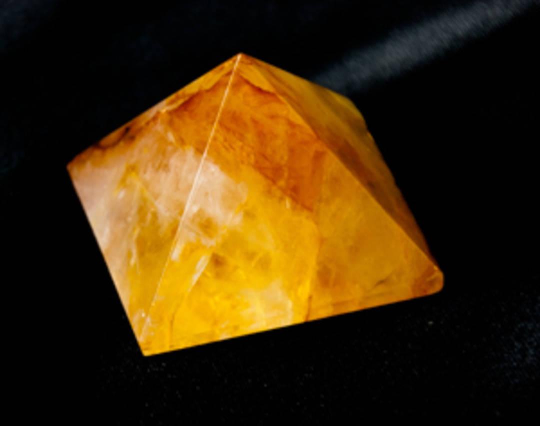 Hematoid Quartz Pyramid