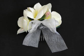 White with Yellow Centre Frangipani Hair Comb