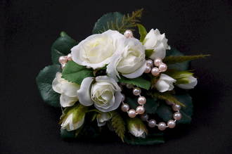 Roses & Pale Pink Pearl Corsage