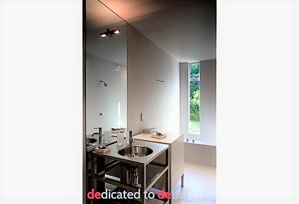 Bathrooms40-lighten2