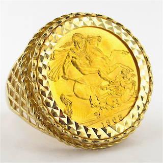 Men's 9ct yellow gold 22ct full sovereign set ring