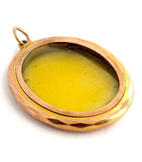 9ct rose gold antique empty frame pendant