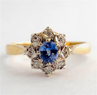 9ct yellow gold ceylon sapphire and diamond cluster ring