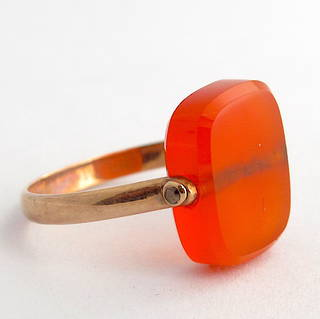 Antique 9ct rose gold carnelian spinner ring