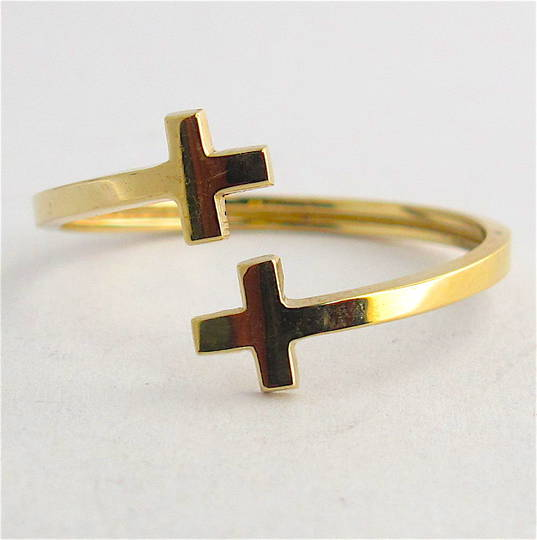 9ct yellow gold cross style dress ring