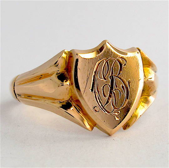 9ct yellow gold vintage shield shaped signet ring