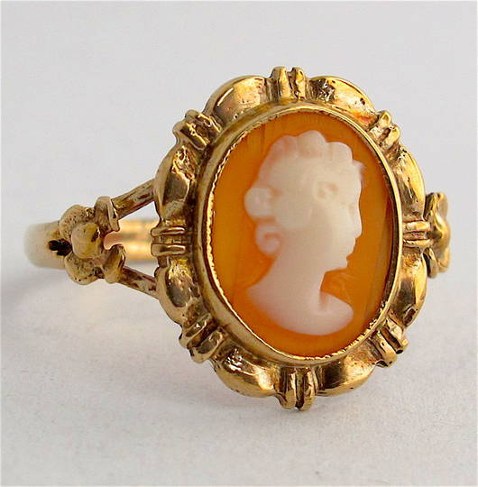 9ct yellow gold shell cameo ring