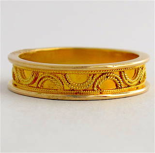 14ct yellow gold fancy dress band