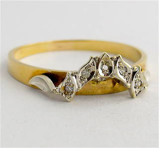 9ct yellow gold curved diamond wedding ring