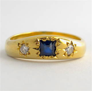 18ct yellow gold sapphire and diamond vintage style ring