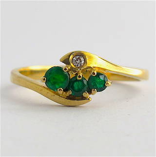 9ct yellow gold natural emerald and diamond ring