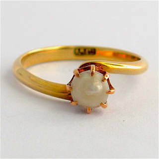 15ct yellow gold pearl ring