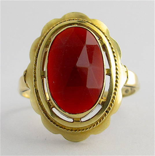 14ct yellow gold large carnelian dress ring