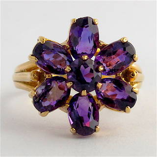 9ct yellow gold amethyst flower style ring