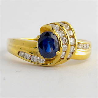 18ct yellow gold diamond and sapphire ring
