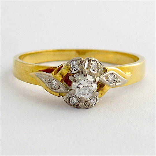 18ct yellow/white gold vintage diamond cluster ring