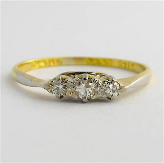 18ct yellow gold and platinum 3 stone diamond ring