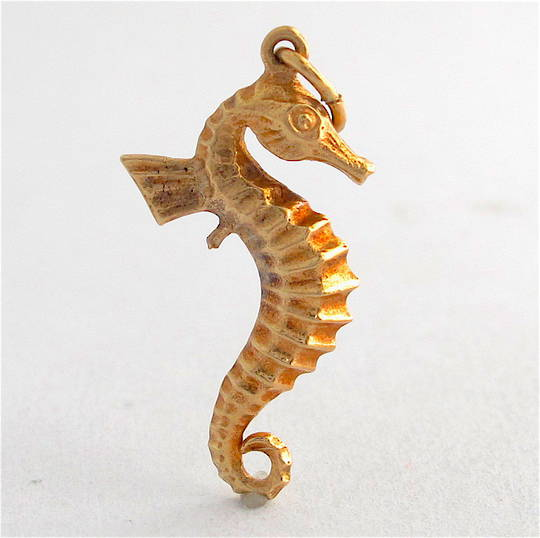 9ct yellow gold Seahorse charm