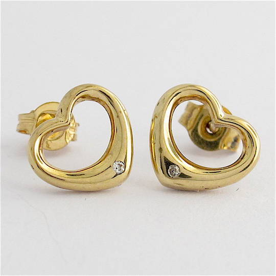 9ct yellow gold heart shape diamond stud earrings