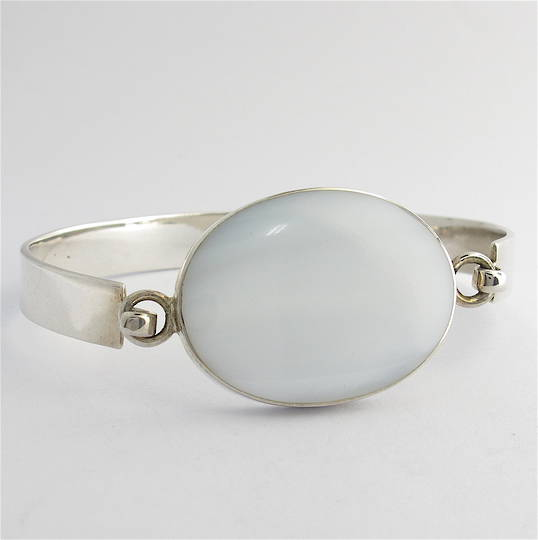 Sterling silver mother of pearl set bracelet