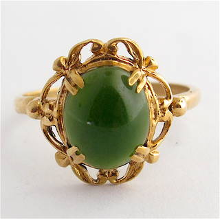 9ct yellow gold vintage greenstone dress ring