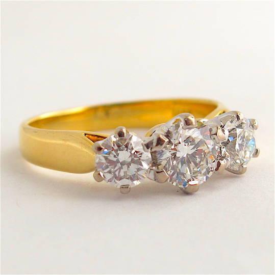 18ct yellow and white gold 3 stone diamond ring