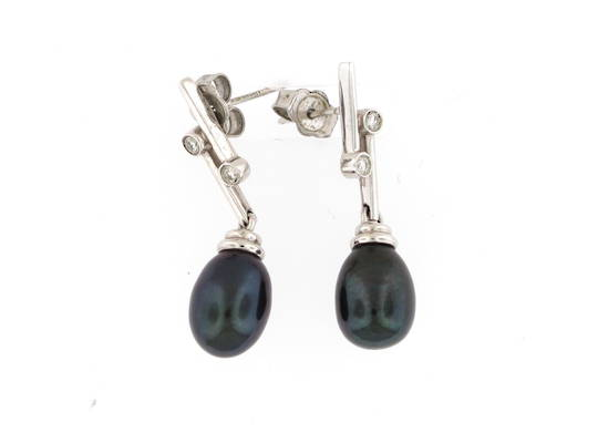 9ct white gold black fresh water pearl and diamond drop earrings