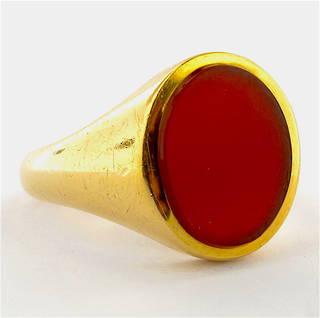18ct yellow gold british hallmarked carnelian set ring