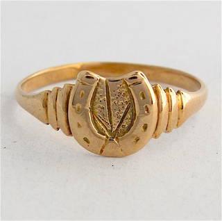 9ct yellow gold horse shoe dress ring